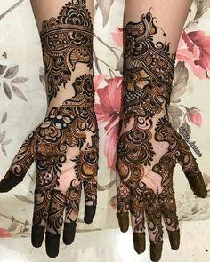 No photo description available. Indian Henna Designs, Rose Mehndi Designs, Mehndi Designs 2018, Stylish Mehndi Designs, Mehndi Designs For Girls, Wedding Mehndi Designs, Dulhan Mehndi Designs, Henna Mehndi, Henna Art
