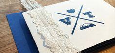 Individuelle Hochzeitseinladung Karte. Berge und Seen. Hochzeitslogo.