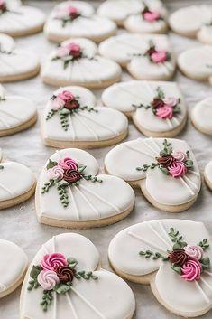 Fancy Cookies, Iced Cookies, Cookies Et Biscuits, Iced Biscuits, Summer Cookies, Shortbread Cookies, Halloween Cookies Decorated, Halloween Sugar Cookies, Decorated Wedding Cookies