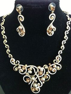 Amber Crystal Pieces Gold-Plating Pearl Necklace & Earring