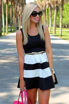 This pin is featuring the dress, but i really like her hair. Black and white dress Summer 2015 Perfect Outfit Cute Dresses, Beautiful Dresses, Casual Dresses, Mode Chic, Mode Style, White Dress Summer, Summer Dresses, Dress Black, Cute Summer Outfits