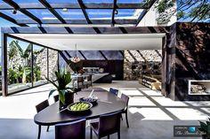 Loft 24-7 by Fernanda Marques Arquitetos Associados, São Paulo, Brazil. http://www.fernandamarques.com.br
