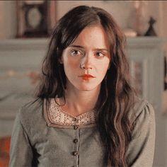 little women icons Harry Potter Icons, Mundo Harry Potter, Harry Potter Aesthetic, Emma Watson, I Love Cinema, Hogwarts, Dramione, Iconic Women, Harry Potter Wallpaper