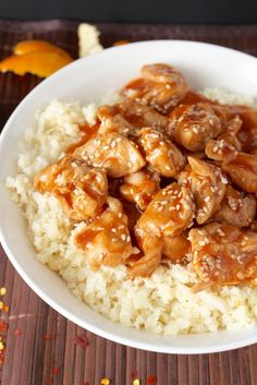 Paleo Orange Chicken - subbed arrow root, no honey and included chili paste. Employed pineapple fruit juice rather than orange bc its what my partner and i possessed. Diet Dinner Recipes, Healthy Diet Recipes, Paleo Dinner, Clean Eating Recipes, Veggie Recipes, Whole Food Recipes, Healthy Eating, Cooking Recipes, Easy Paleo Meals