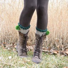 These quick, easy and cute crochet boot cuffs are just what you need for St. Patty's day! Cute enough to wear year round as well!