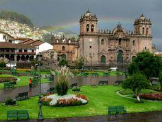 Atardecer en la plaza de armas Cuzco PERU