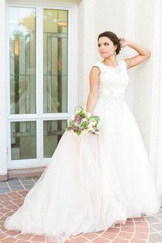 I LOVE her dress! Amazing las vegas lds temple wedding photography 4