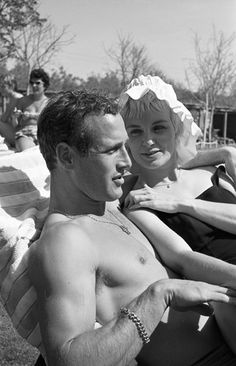 Paul Newman and Joanne Woodward, 1959. Photo by Leo Fuchs.