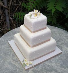 simple elegant square wedding cakes