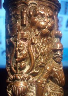 Curiosité Fourreau  Antique Cuivre Armoirie Cimier Héraldique A IDENTIFIER 30cms