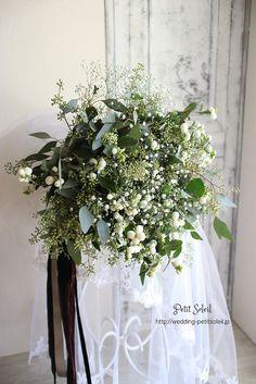 ブーケ Non Flower Bouquets, Flower Bouquet Wedding, Buquet, Floral Wedding, Winter Wedding Flowers, Alternative Bouquet, Flower Arrangements, Glass Vase, Wreaths