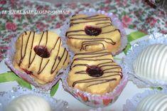 sablés sans oeuf à la confiture sablés sans oeuf à la confiture,je vous propose une belle recette de sablés vraiment très faciles et rapides à faire et bien fondants en bouche.Des sablés avec une pâte sans oeuf,idéal pour les personnes allergiques!!C'est encore une recette d'Abla,qui prépare ces sablés avec des amandes moulues ce qui leurRead More Tartelette Chocolat Caramel, Algerian Recipes, Algerian Food, Recipe Images, Eid, Biscuits, Muffin, Food And Drink, Breakfast