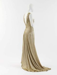 """Evening dress House of Chanel (French, founded Designer: Gabrielle """"Coco"""" Chanel (French, Saumur Paris) Date: 1934 Culture: French Medium: silk, metal Gift of Mlle. Chanel Vintage, Vintage Couture, Vintage Beauty, Vestidos Vintage, Vintage Gowns, Vintage Outfits, Dress Vintage, Vintage Clothing, 1930s Fashion"""