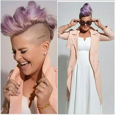 Love the hair, make up & outfit! Liebe die Haare, Make-up & Outfit ! Half Shaved Head Hairstyle, Short Shaved Hairstyles, Mohawk Hairstyles, Undercut Mohawk, Short Hair Cuts, Short Hair Styles, Mohawk Styles, Corte Y Color, Pixie Haircut