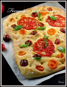 Focaccia z Pomidorami Pepperoni, Mozzarella, Pesto, Pizza