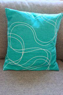 RETRO-pasteller Throw Pillows, Retro, Toss Pillows, Cushions, Decorative Pillows, Decor Pillows, Retro Illustration, Scatter Cushions