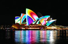 I want to go back when the Opera house looks like this at night!