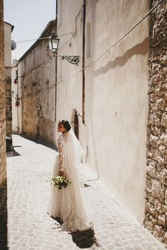 A walk through a small Italian village | Image by Aljosa Videtic Photography