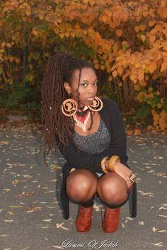 lionessofjuda:  Je ne répondrais pas de façon combative comme j'en ai l'habitude ;)  ♠ ♣ Voici une autre petite photo de moi: Lioness Of Judah SuSu …