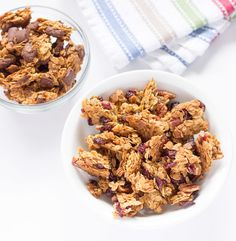 Basic Large Chunk Granola- Homemade granola with large clusters that you can add your favorite granola flavors to. Breakfast Recipes, Snack Recipes, Cooking Recipes, Breakfast Ideas, Cafe Recipes, Healthy Recipes, Healthy Breakfasts, Healthy Treats, Yummy Recipes