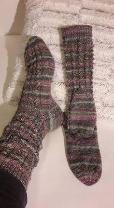Yarn: Lana Grossa fingering