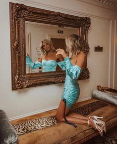Exceptional Fancy cars photos are available on our website. Have a look and you will not be sorry you did. Foto Casual, Fancy Cars, Mini Vestidos, Foto Instagram, Girls Night Out, Car Pictures, Room Pictures, Editorial Fashion, Fashion Photography