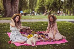 Nothing's better than a picnic with friends - AnotherSide Of Me Picnic In The Park, Outdoor Dining, Fashion Outfits, Friends, Cute, Style, Al Fresco Dinner, Amigos, Swag