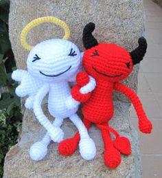 Angel o demonio a ganchillo. Y encima son amigos!!!