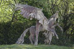 Pegasus. 1990-1997 Terzit. Ingeborg Hunzinger. Hinter der Alten Schule in Ahrenshoop.