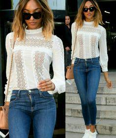 Agora o estilo da bonequinha Jourdan!💫 Uma combinação prática e fashion de blusa branca, com bordado; calça jeans cigarrete, escura; óculos estiloso; tênis branco e bolsa bege. #pratic #fashion #style #jourdandunn