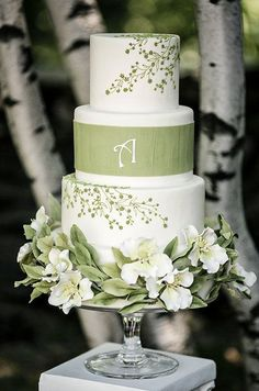 """""""green""""がテーマの結婚式♡シンプル&エレガントな大人コーディネートが素敵*にて紹介している画像"""