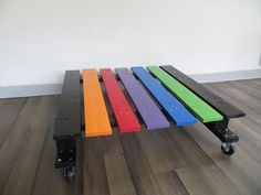 DIY Rainbow Pallet Coffee #Table with #Wheels | 99 Pallets