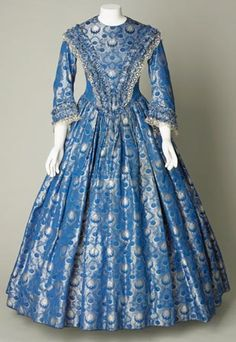 Day dress, silk brocade, about 1841-1846.