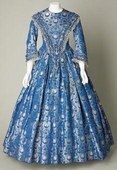 Day dress, silk brocade, about 1841-1846.