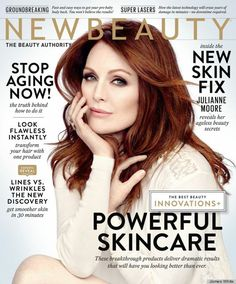 At last, Julianne Moore has imparted her beauty wisdom to her fans sharing her essential items and simple secrets in the Fall/Winter issue of New Beauty Magazine Julianne Moore, Jessica Chastain, Auburn, Celebrity Twins, Celebrity Gossip, Juice Beauty, Ageless Beauty, Beauty Magazine, Beauty News