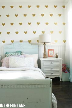 gold heart wall