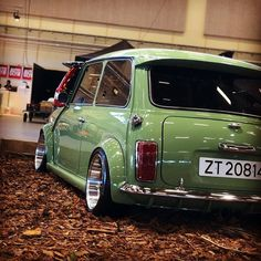 Awesome Mini Owner: @kristian.andersen00 Love it Share it Like it Thanks Follow... Mini Cooper Classic, Classic Mini, Classic European Cars, Classic Cars, Mini Coper, Rover Mini Cooper, Austin Mini, Mini Morris, Car Colors