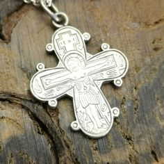 Beautiful vintage silver necklace with Dagmar cross necklace stamped fbm 925 and the cross 826S. The designer's name is Fr. Binder & Co monsheim from Copenhagen and was active from 1984 - 1990. The necklace measures 43 cm and the cross measures 25 x 22 mm and has traces of ordinary use. Sterling Silver Necklaces, Silver Jewelry, Copenhagen, Binder, Vintage Silver, Vintage Designs, Father, Symbols, Beautiful