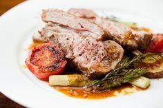 仔羊背肉のロティ、季節野菜のフリカッセ添え