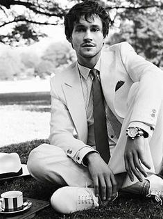 Hugh Dancy. Claire Danes, because you are one of my favorites actresses I will allow you to be married to him.