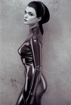 One of my all-time favorite pictures. ♥  (Rachel Weisz by Bob Carlos Clarke)