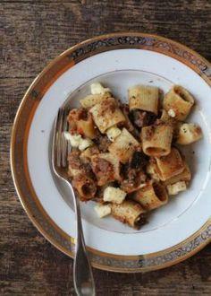 Pasta med lam, auberginer og fetaost