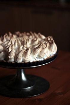 blueberry meringue pie with blueberrycurd