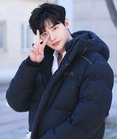 Fighting na Lee Jong Suk - Good Morning Lee Jong Suk Hot, Lee Jung Suk, Lee Jong Suk Smoking, Lee Jong Suk Funny, Park Hyun Sik, Actors Funny, Kang Chul, Lee Jong Suk Wallpaper, W Two Worlds