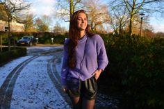 fashionblog_murielle_van_schaik_wannabemag_hm_pastel_sweater_leather_shorts_knee_boots