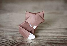 DIY petit renard en papier (origami) - Thi Doan - Image Sharing World Diy Origami, Cute Origami, Origami And Kirigami, Origami Paper Art, Origami Tutorial, Diy Paper, Origami Ideas, Origami Instructions, Origami Butterfly