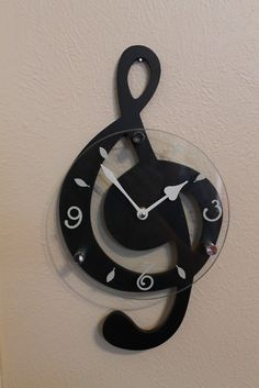 Treble clef clock.