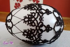 Mój sposób na nudę: Frywolitkowe jaja 2015 Easter Crafts, Easter Ideas, Needle Tatting, Desserts, Handmade, Haha, Eggs, Projects, Noel
