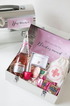 Here's a clever spin on the bridesmaid proposal! As your gap pal to be your bridesmaid with a DIY lunchbox, filled with things she'll love, her response will definitely be YES!