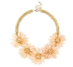 gorgeous golden flower necklace <3